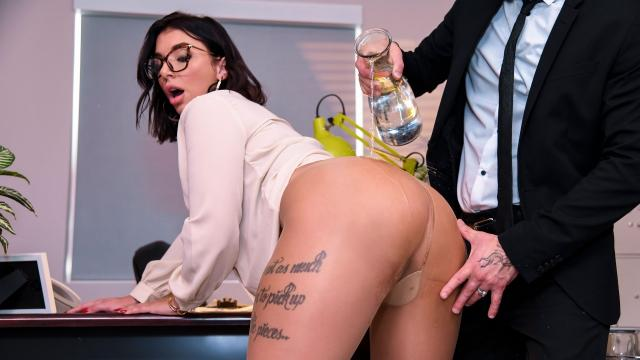 After-Hours Anal [Small Hands, Ivy Lebelle / 22.07.2019]