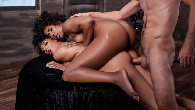 MILF Witches Part 3 [Misty Stone, Lucas Frost, Desiree Dulce / 31.10.2019]
