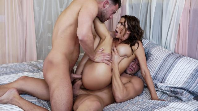 The Voyeur Next Door: Part 4 [Seth Gamble, Xander Corvus, Alexis Fawx / 30.11.2019]