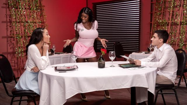Giving Tips To Get A Tip [Jordi, Alexis Tae, Ebony Mystique / 01.03.2020]