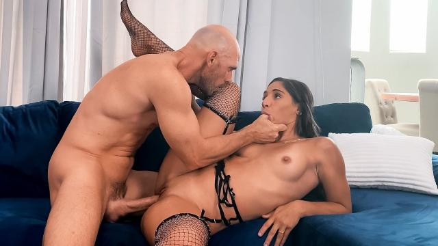 (Brazzers Exxtra / Brazzers) Abella The Sinner [Johnny Sins, Abella Danger / 2020-12-31]