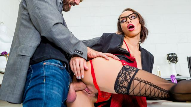 (Brazzers) Teasing Work Husband Until He Fucks Me [Steve Holmes, Alexis Tae / 2021-03-06]
