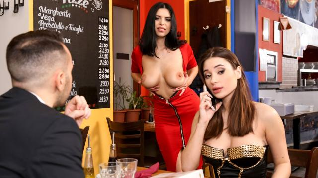 (Brazzers Exxtra / Brazzers) Watch Me Instead [Raul Costa, Kira Queen, Liya Silver / 2021-03-19]