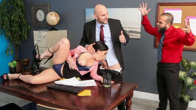 (Real Wife Stories / Brazzers) Getting Her Husband A Raise [JMac, Leila Larocco / 2021-04-06]